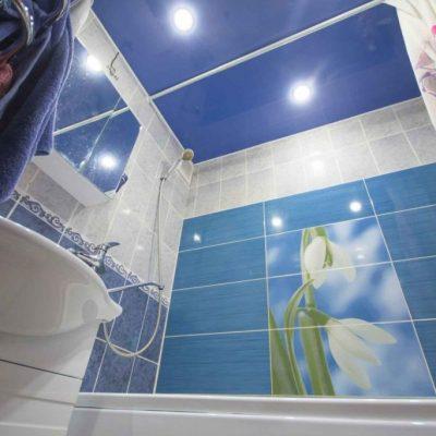Подвесной синий потолок