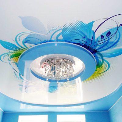 Потолок голубой