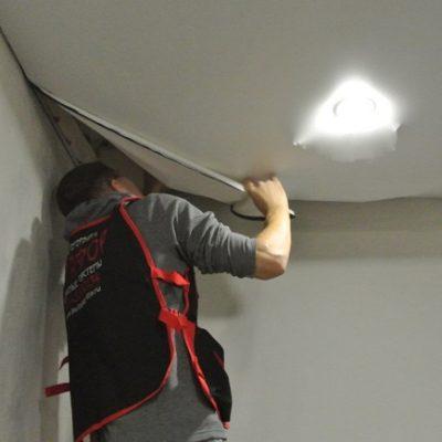Снимаем потолок