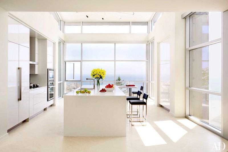Вариант дизайна для кухни в белом цвете