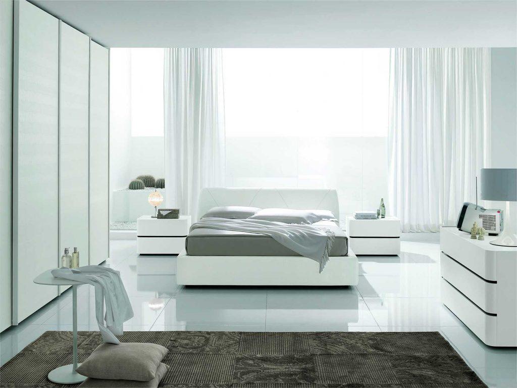 Вариант спальной в исключительно белых тонах
