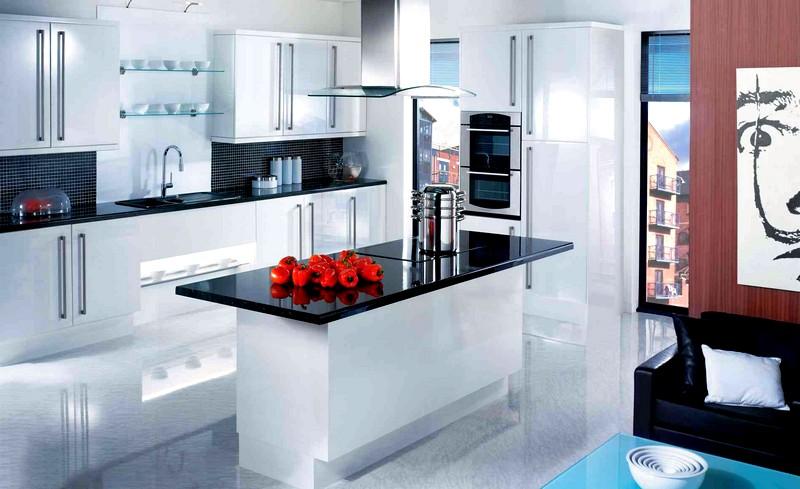 Дизайн кухни в черно-белых цветах