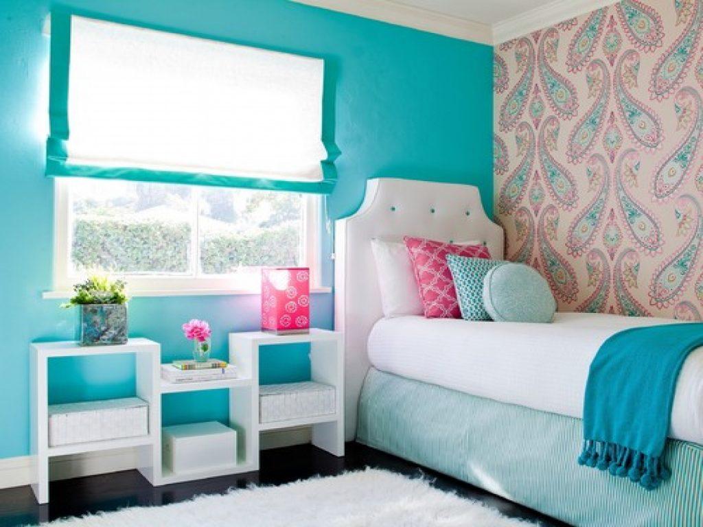 Комната для девочки-подростка в бирюзовых тонах