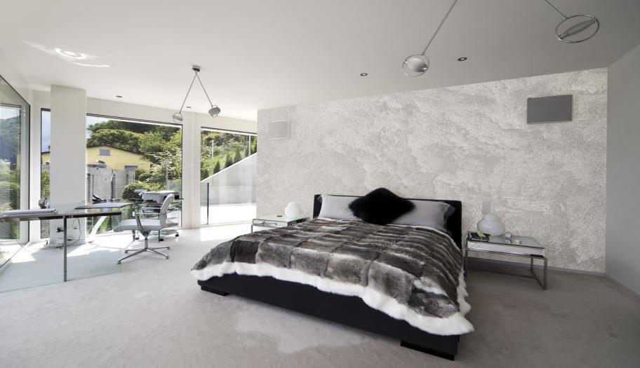Серебристые оттенки стен в спальне
