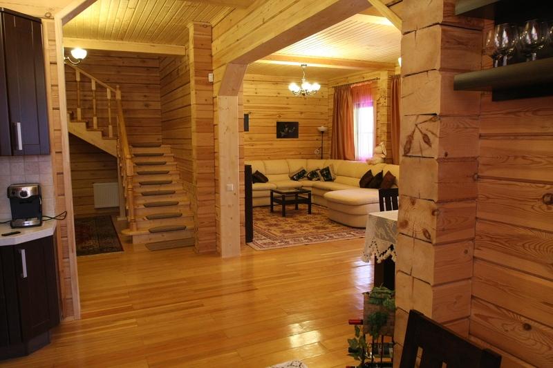 Внутренняя отделка дома из профилированного бруса