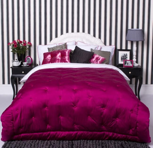 уютная спальня розового цвета в стиле прованс