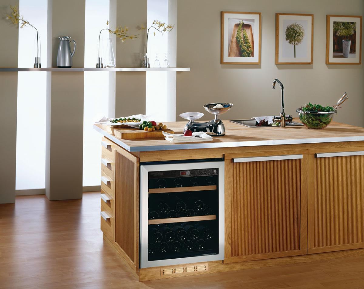 Существуют очень дорогие модели холодильников для вина