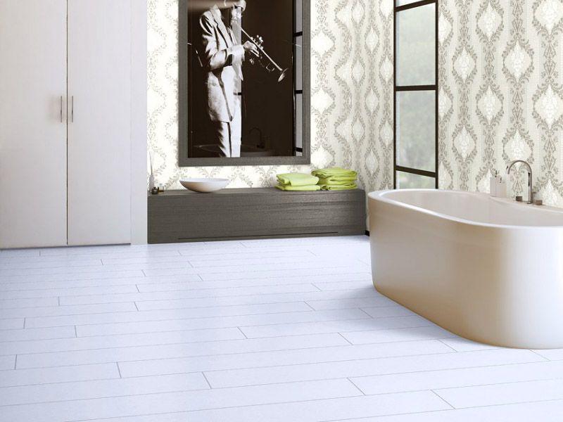 Белый ламинат в интерьере ванной комнаты