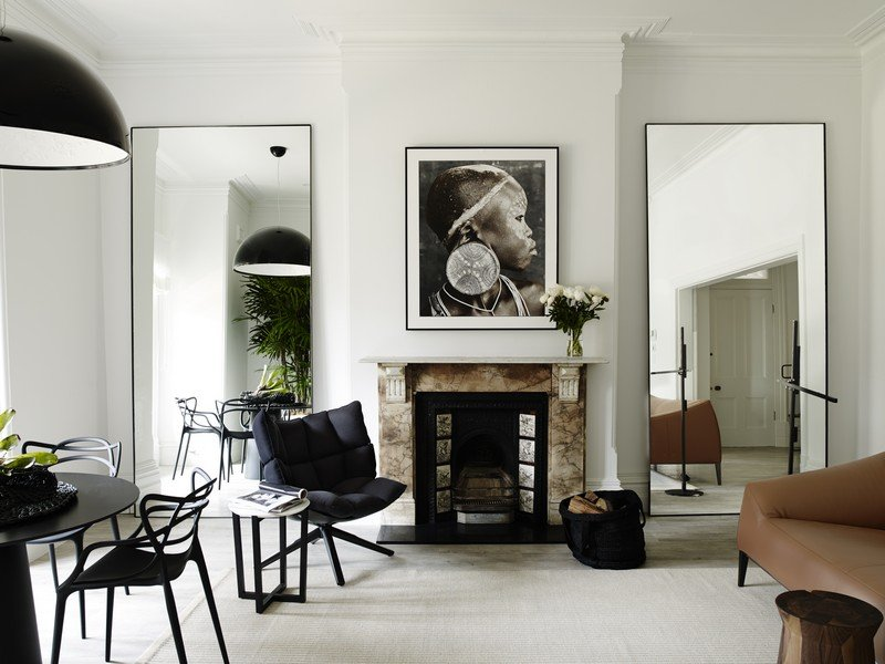 Использование зеркал в интерьере внутри частного дома