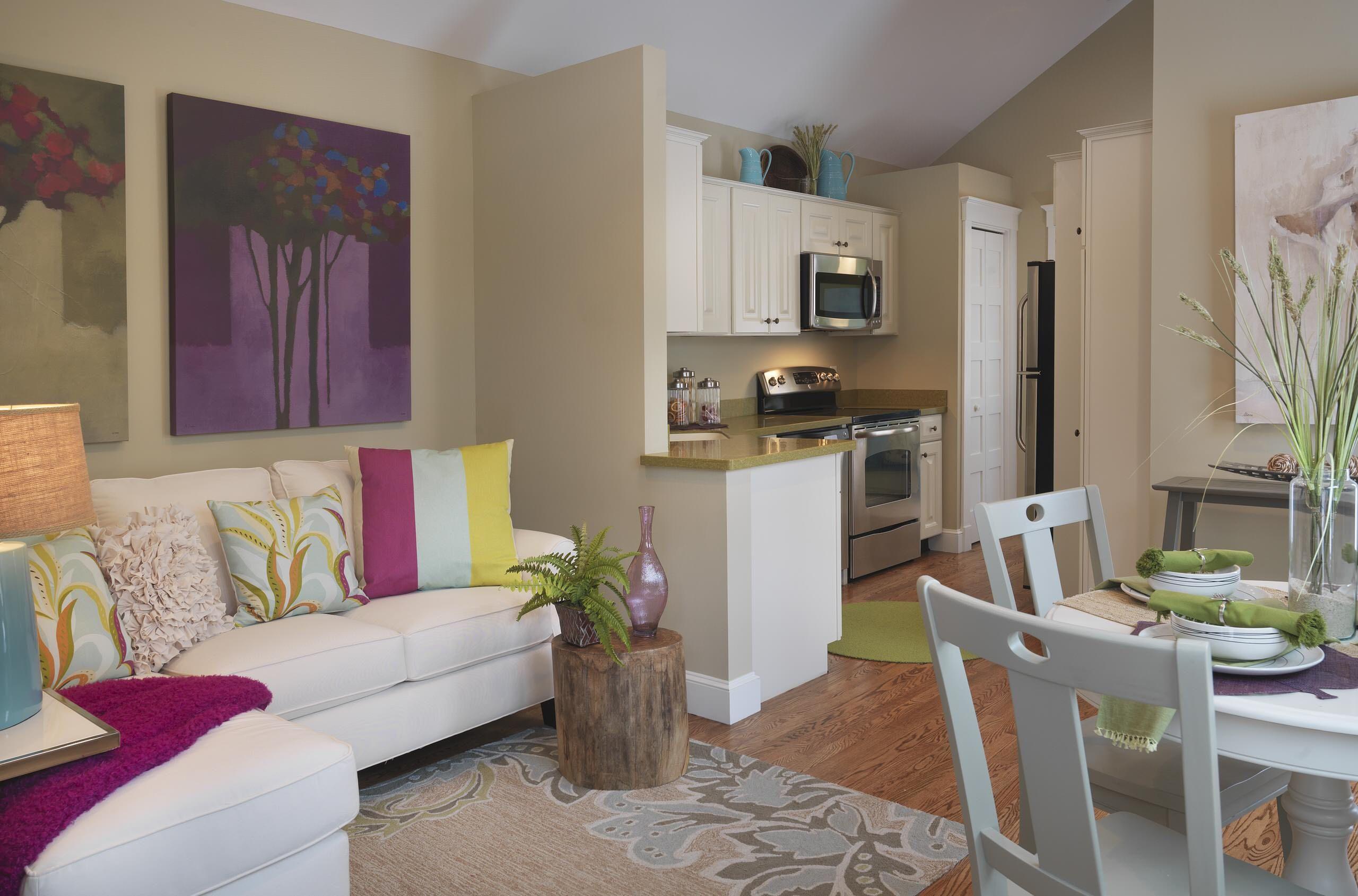 Дизайн-проект двухкомнатной квартиры в хрущевке в светлых тонах