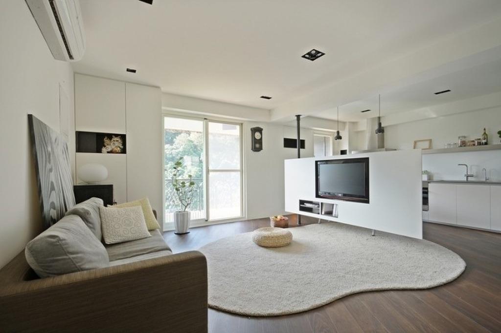 Популярная квартира-студия в белых тонах
