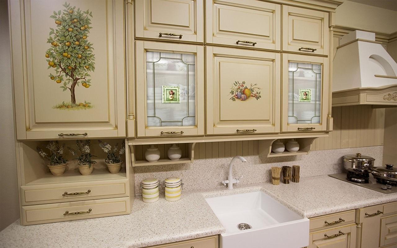 Придать кухонному интерьеру привлекательность можно при помощи декупажа