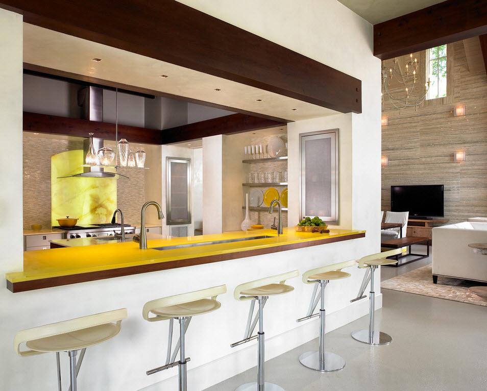 Креативный дизайн гостиной с барной стойкой