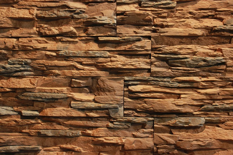 Искусственный камень для отделки деревянного дома