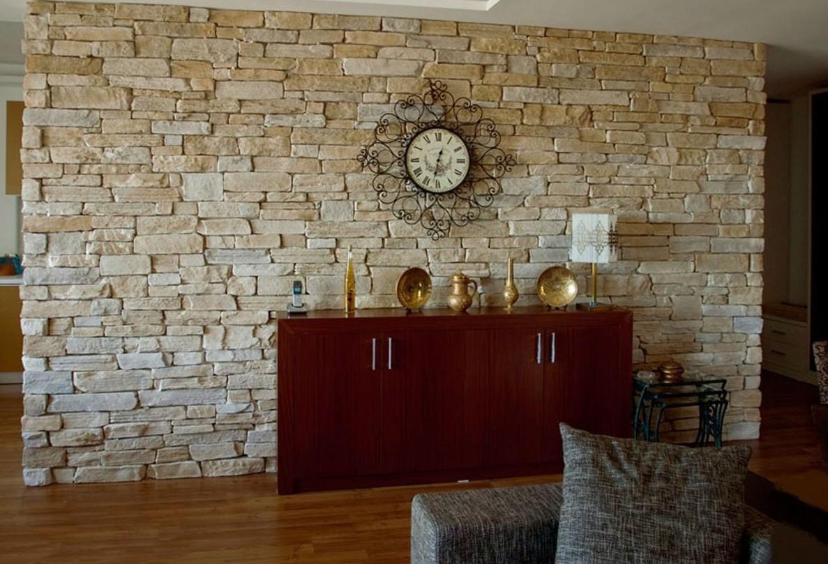Отделка стен искусственным камнем