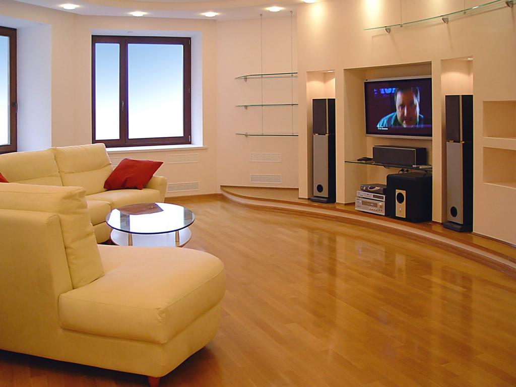 Интерьер гостиной в доме из газобетона
