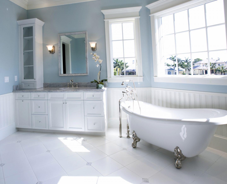 Дизайн ванной комнаты с крашеными стенами, советы и фото