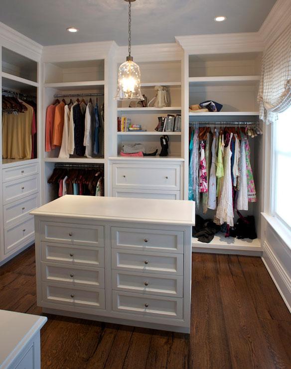 Дизайн гардеробной белого цвета
