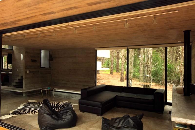 Мебель в интерьере деревянного дома