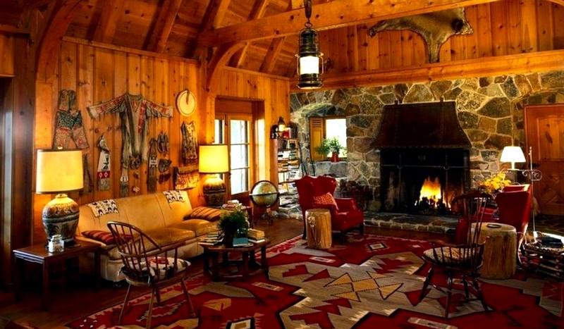 Необычное оформление интерьера деревянного дома