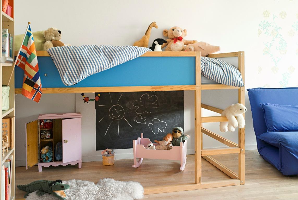 Детская кровать в форме чердака