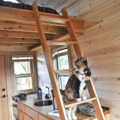 Использование пространства под крышей для спальной зоны