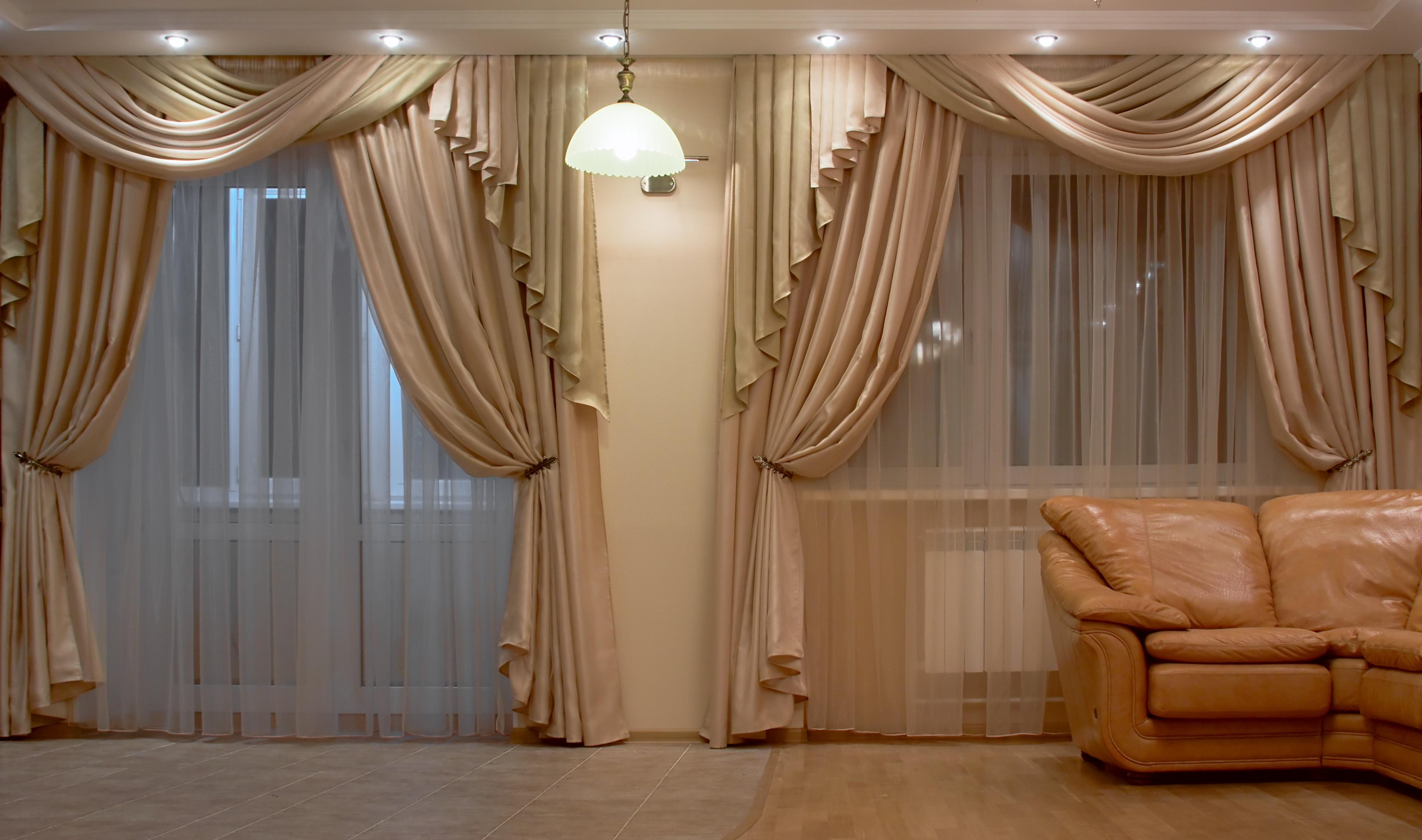 Красивые шторы в зал