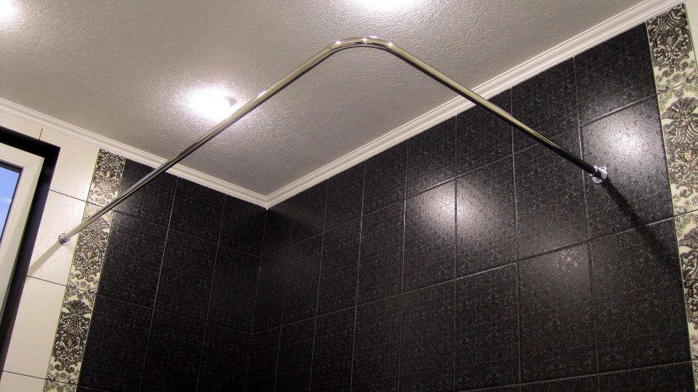 Традиционная прямоугольная угловая конструкция сэкономит пространство в небольшом помещении