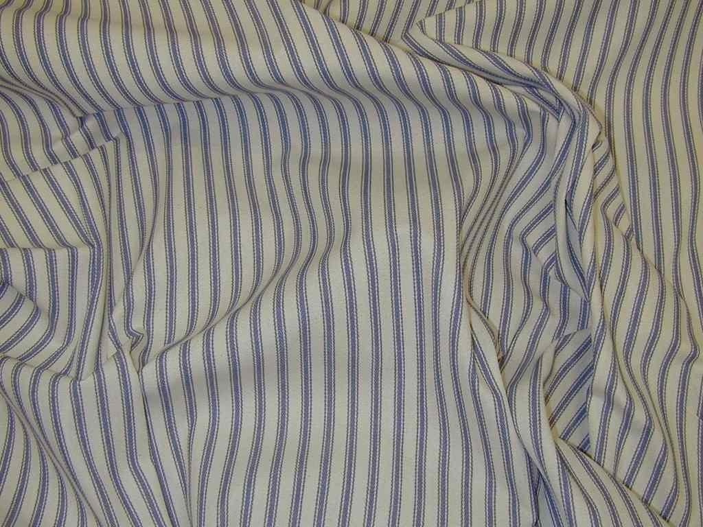 При выборе штор учитывайте, мнется ли ткань: это может облегчить уход за ними