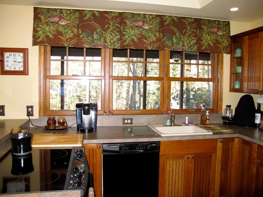 Окна и мебель, выполненные из одного материала - идеальное дизайнерское решение