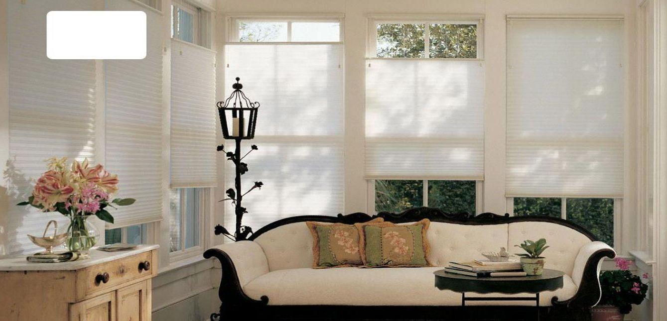 Шторы плиссе эффективно защищают комнату от света