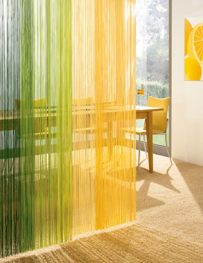Дизайн штор-нитей на кухне