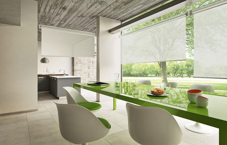 Благодаря разным типам крепления рулонные шторы можно использовать наиболее выгодно