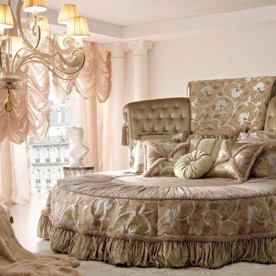 Уютная спальня в классическом стиле