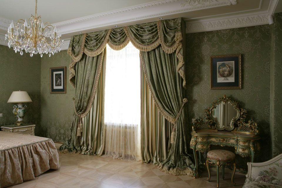 Шторы в классическом стиле в спальне