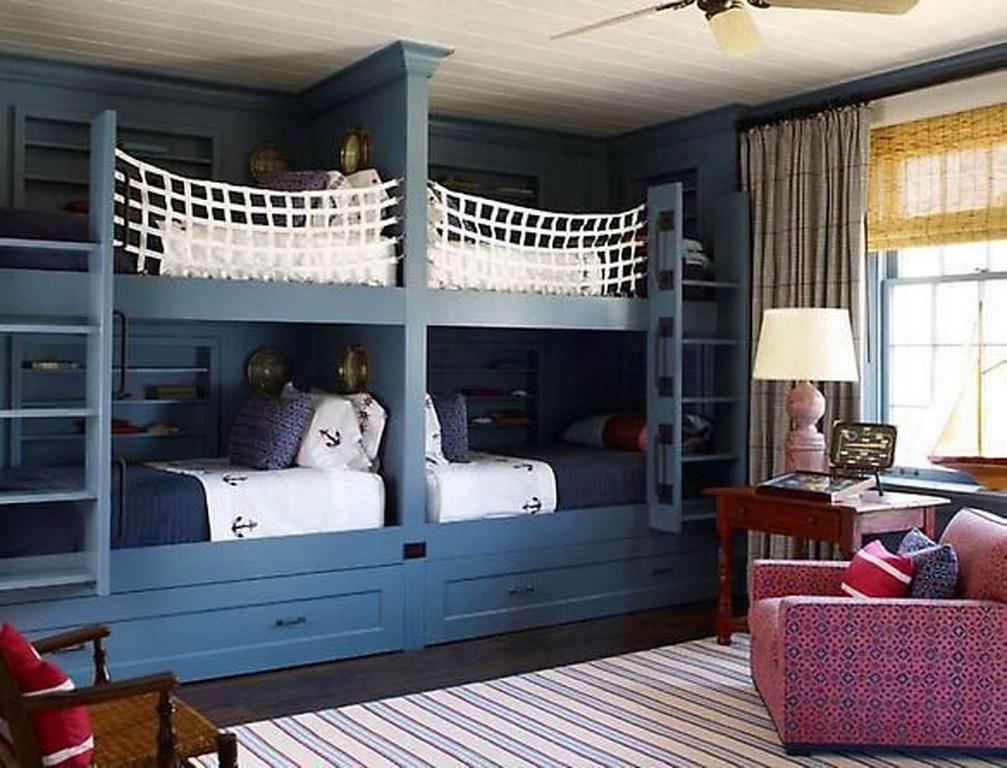 Детская комната в морском стиле для нескольких детей