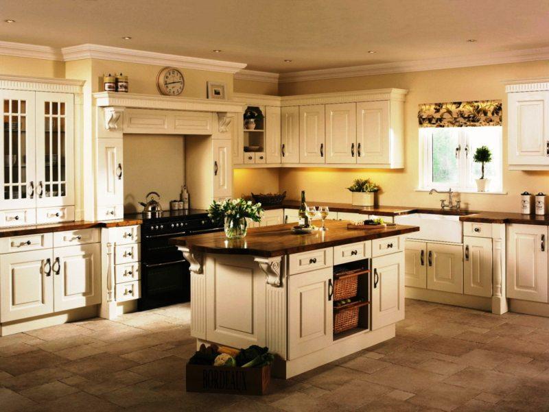 Дизайн кухни в стиле рококо