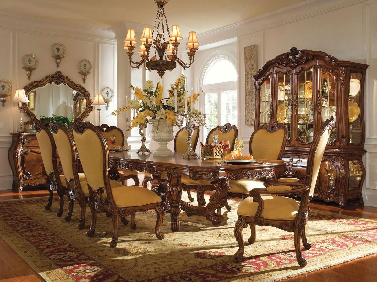 Интерьер гостиной в стиле рококо