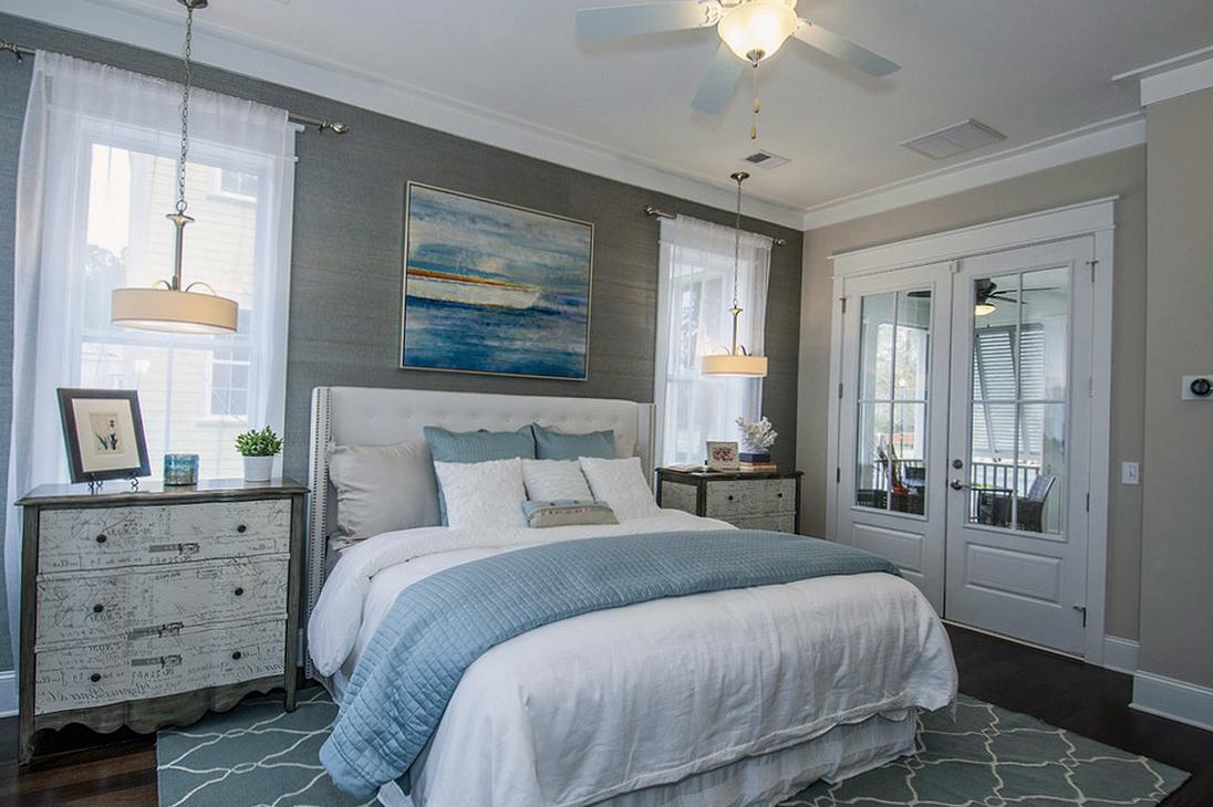 Интерьер спальни в морском стиле на фото
