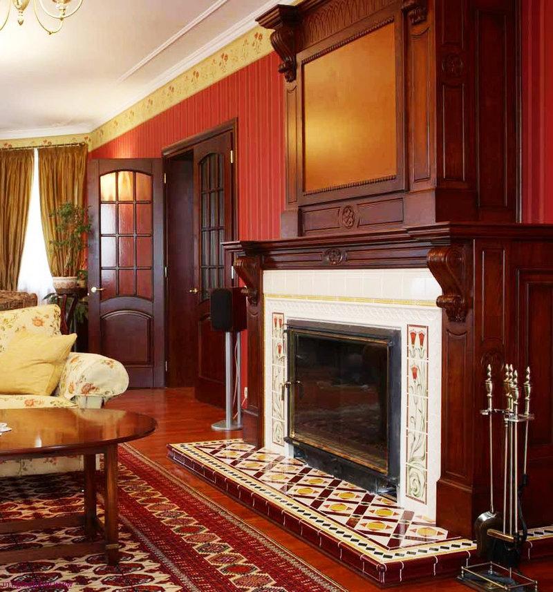 Камин в гостиной в викторианском стиле