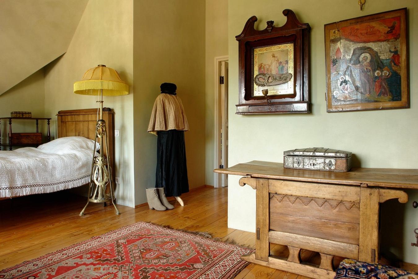 Национальный колорит комнаты в русском стиле