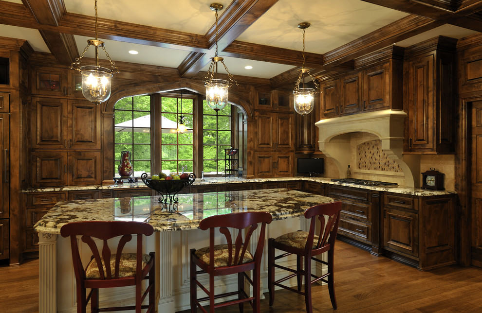 Оформление стен кухни в романском стиле