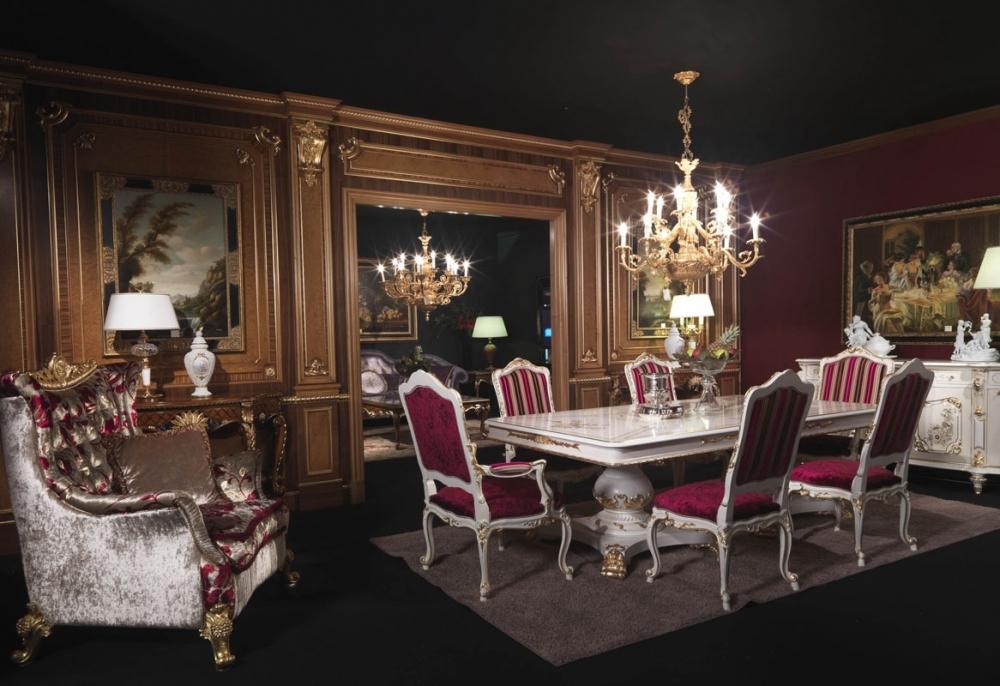 Роскошная мебель в интерьре в викторианском стиле