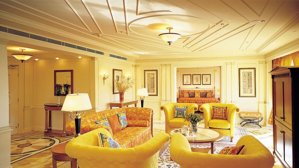 Стиль ампир в желтой гостиной