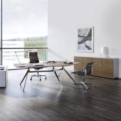 Современный кабинет руководителя в стиле модерн