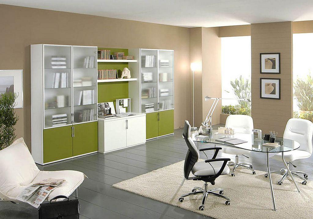 Светлый кабинет с зеленым фасадом у мебели