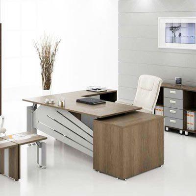 Простой кабинет в стиле модерн