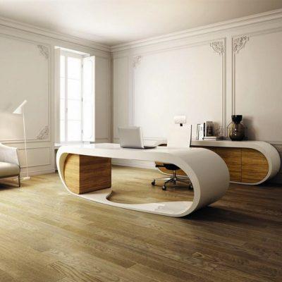 Кабинет в стиле модерн с необычной мебелью