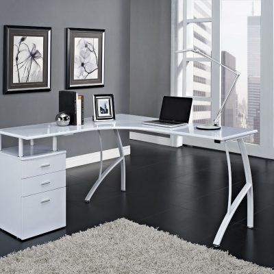 Небольшой кабинет в стиле модерн