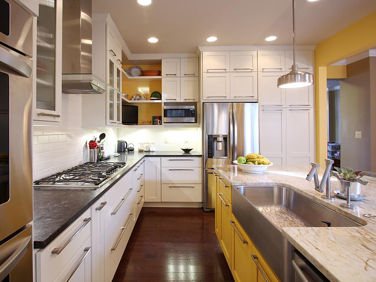 Кухня в бело-желтом цвете
